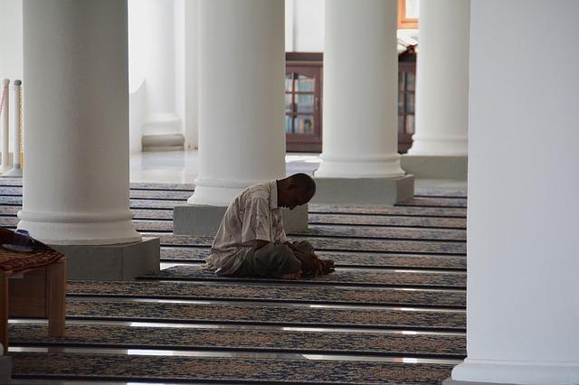 mosque, muslim man prayin